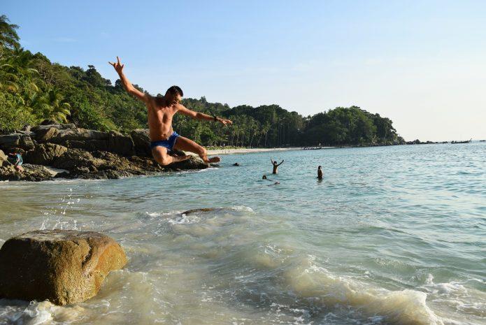 пляж Фридом (Freedom beach) о. Пхукет Тайланд