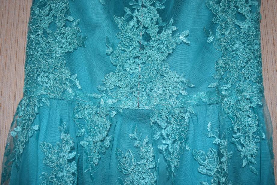 кружевное платье бирюзового цвета