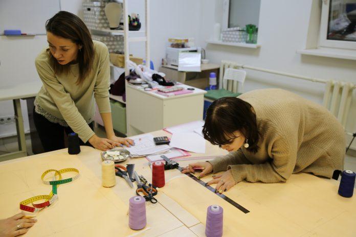 IMG_7528-696x464 Выкройка платья футляр: построение своими руками и нужные материалы для юбки